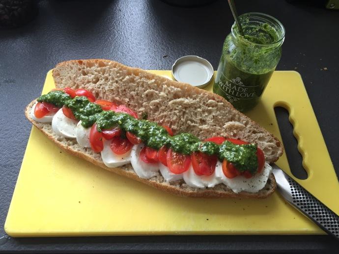 mozzarella tomato pesto baguette