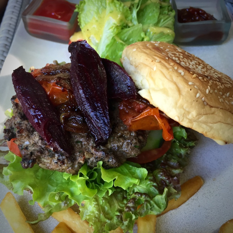 three monkeys cafe burger