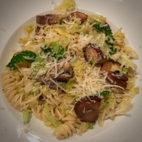 Pasta with Savoy Cabbage, Mushrooms, Garlic and Chilli Pepper